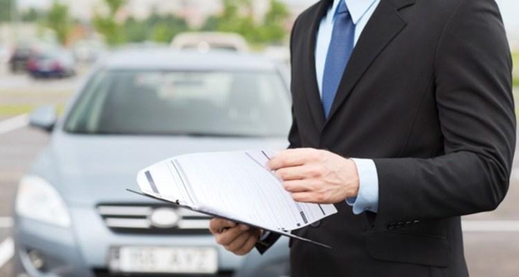 Kapan Perusahaan Asuransi Memeriksa Catatan Mengemudi?